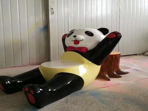 雕塑大熊猫